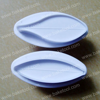 Free shipping,Plastic 2pcs Lily shape cake plunger cutters set,Fondant Mold