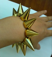 New Fashion Cool Rock Punk Stud Spike Rivet Elastic Stretch Gold Bracelet free shipping