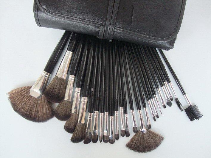 Big Discount ! 32 pcs Makeup Brush Kit Makeup Brushes + Black Leather Case, Free Shipping DHL(China (Mainland))