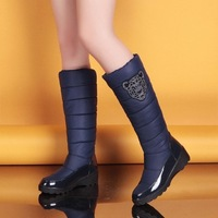 Discount  Free Shipping 2013 Ladies Winter Snow Boots,Tall Classic Feather Women Boots,Fashionable Nylon+Plush Boot