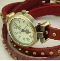 2014 New Arrival Vintage Geniune Leather Band Punk Style Rivets Quartz Wristwatches Women Vintage Watches Hours Free Shipping