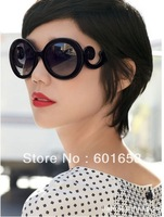 Retro-inspired Women Butterfly Clouds Arms Semi Transparent Round Sunglasses