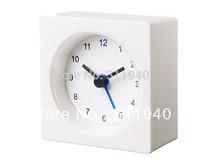 1 piee plastic 7x7x3cm alarm clock