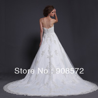 Elegant royal sweetheart princess country lace sample wedding dress with long round train