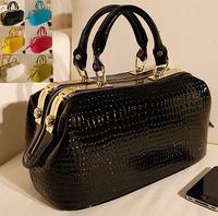 Women leather Crocodile Skin pattern Handbag Messenger Bags Bolsas Femininas doctor bag patent Ladies Bag Fashion BagsTotes croc