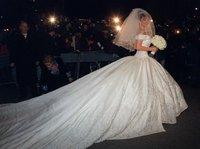 Ball Grow V-neck  Royal Train 2 Meters Floor-Length Soft Satin Wedding Dress With Embroidery Beading