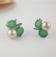 free shipping jade inseted fashion pearl stud earrings Min order 6$