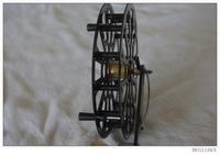 "5"" carbon fiber spy reel---center pin"