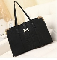 Free shipping black hardware bags handbags women famous brands YAHE 2013 crocodile real PU leather handbag black purse WB3020