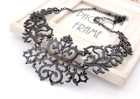 Alloy Vintage Gold Plated Hollow Flower Shorts Ethnic Rhinestone 2014 Fashion Statement Necklaces & Pendants Women Jewelry Gift(China (Mainland))