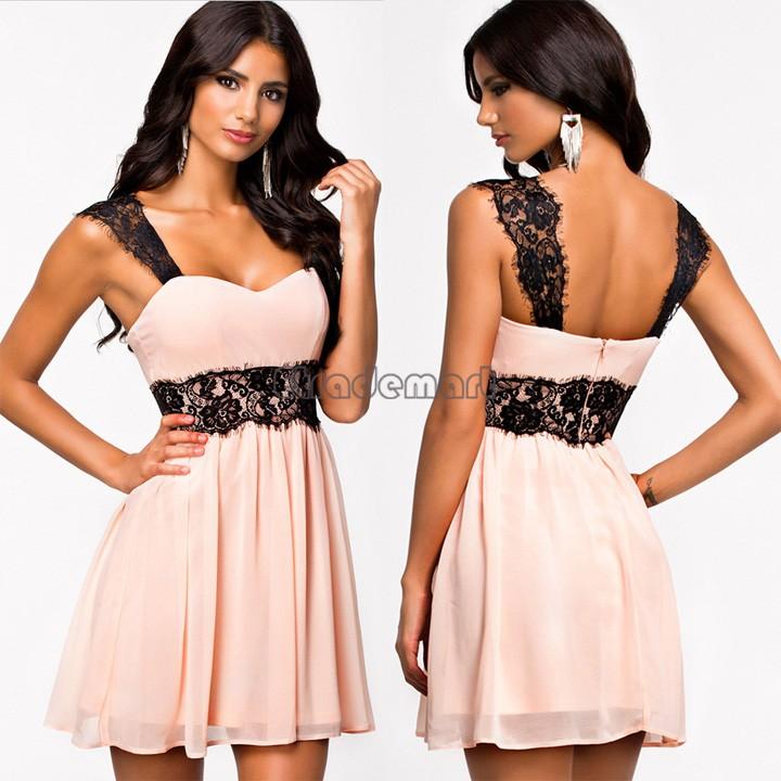 Розовое платье с чёрным кружевом
