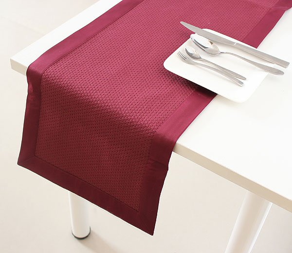 Free shipping, 100% Polyester Table Runner Different colors table runner(China (Mainland))
