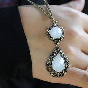 fashion retro imitation gemstone chain lady's necklace pendant .free shipping ! Wholesale !(China (Mainland))