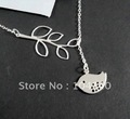 Free Shipping Bird Shape Fashion And Elegant Syle Exquisite Attractive Silver  Plated  Necklace(NC1492)