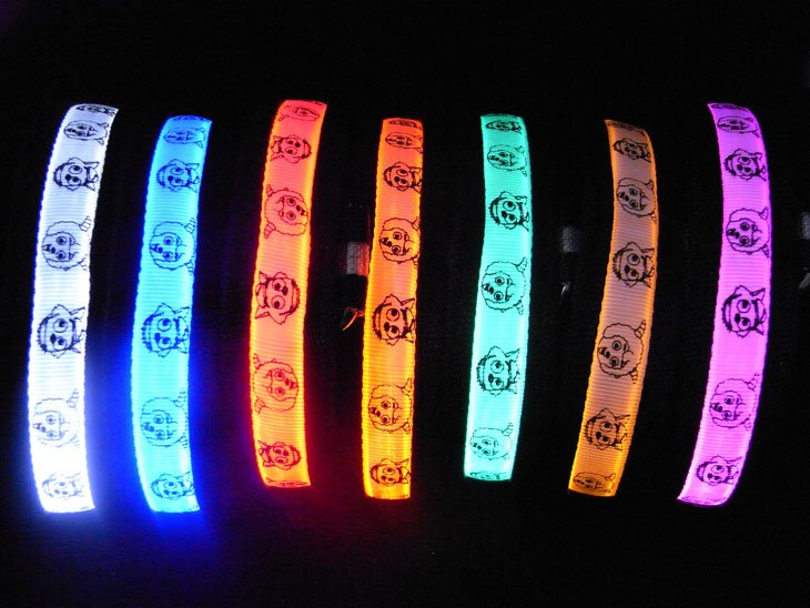 Hot Sale LED Lighting Pet Colar Width 2.5cm 80g Luminous Nylon Satin Mix Color Flash Collar(China (Mainland))
