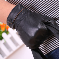 2013 NEW Winter man sheet buckles leather gloves winter warm leather gloves in thin sheep leather gloves male fashion gloves