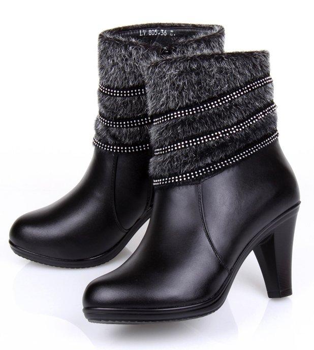 Womens Winter Warm Fur Black Rubber Waterproof Snow Boots | Santa