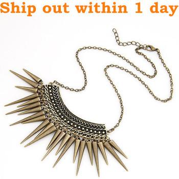 Hot Sale Punk Style Rivet Tassel Collar Fashion Long Chain Antique Bronze Plated Spike Pendant Necklace