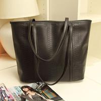 2014 new newest design fashion lady handbag woman black bag crocodile texture free shipping