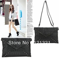 Hot selling crossbody messenger Bag Shoulder Skull Rivet Envelope Bag for Women Popular designer day clutches Handbag MX82