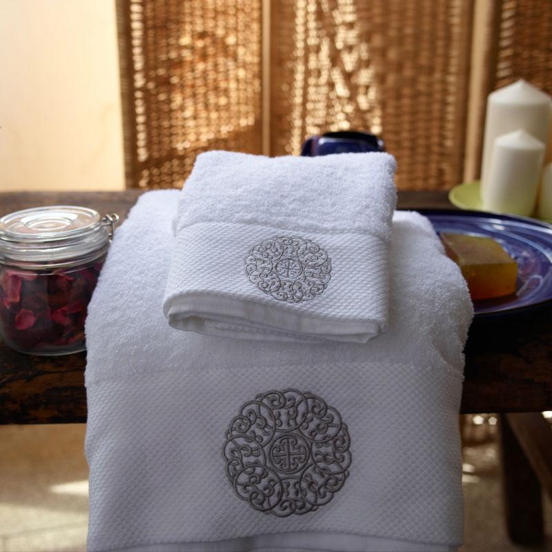 Serviette de visage, 100% 70*40cm coton, cinq 180g star16s acierspiral épaississement satin brodé serviette de visage, de haute qualité/g003 livraison gratuite