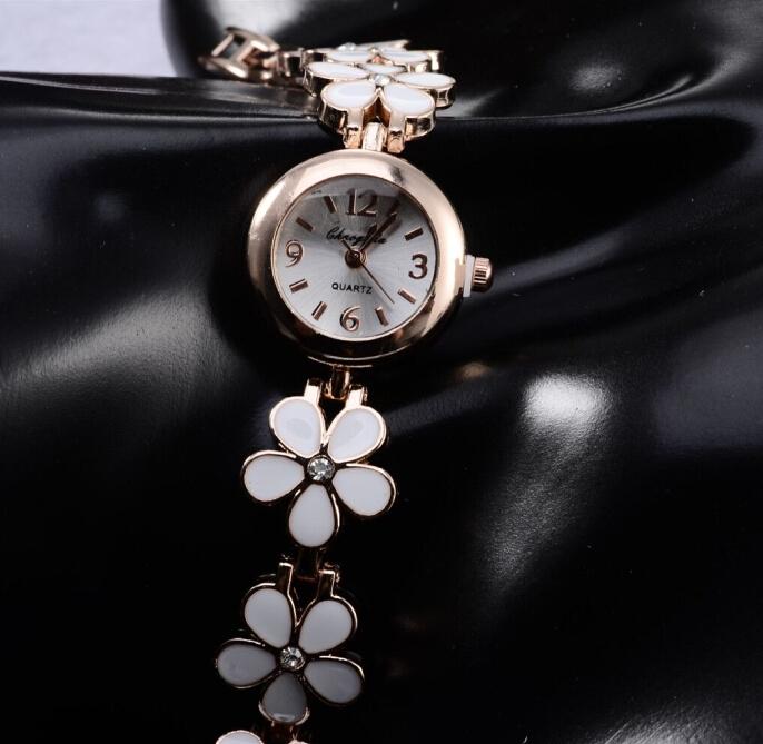 2014 New Fashion Ladies hours Reloj Bracelet Quartz Watch Gold relogio dourado feminino WristWatch Women Rhinestone reloj hours(China (Mainland))