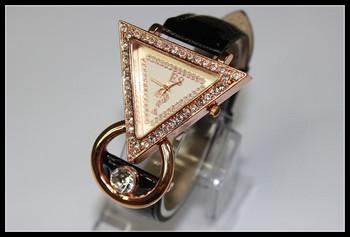 The Luxury Elegant Ladies Girls Brands Items for Women Leather Diamond Table Dress Atmospheric Watch Wristwatch Bracelet 2013