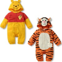 2013 autumn hot sell children conjoined twin clothes, tiger desgin baby rompers clothing boys grils/sports suit for boy