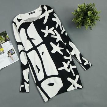2014 осень / зима женщин черно-белая печать долго пуловеры свитер платье плюс размер все соответствуют основные свободные зимние платья свитера