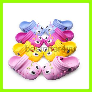 Бесплатная доставка 2013 лето детская обувь мулы и сабо дети ева отверстие обувь детская сандалии тапочки для мальчиков и девочек + слежения