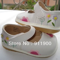 D123  2 colors Baby Girl White Brown Squeaky Shoes with becautiful small flowers