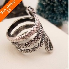 Min.order is $10 (mix order)Free Shipping  Beautiful Retro Punk Snake Ring Vintage Cute Personality Snake Rings R567/R568