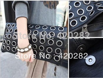 Free Shipping  Circle Rivet Punk Chain  Handbags.  Factory Outlets.